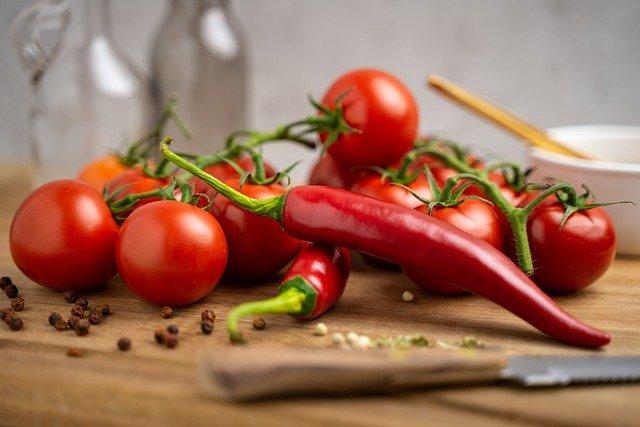 tomatoes-5365186_640